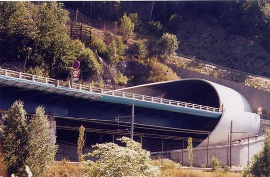 Orelle Tunnel portal and abutment of Pont des Chèvres viaduct.