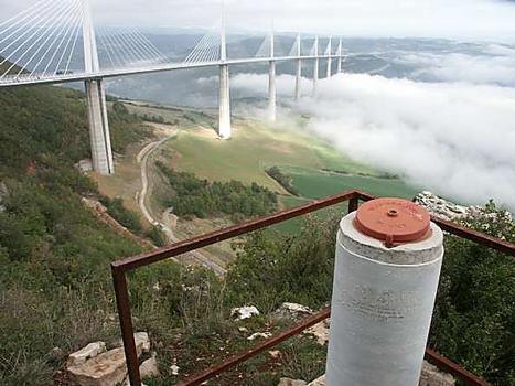 Millau-Viadukt; Vermessungspunkt