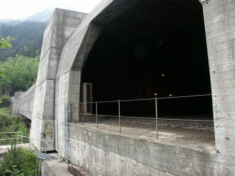 Rohrbachbrücke near Wassen, Switzerland