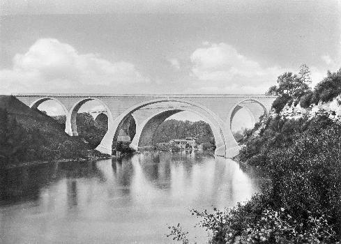 Ponts ferroviaires sur l'Iller à KemptenVue après l'achèvement des ponts.: Ponts ferroviaires sur l'Iller à Kempten Vue après l'achèvement des ponts.