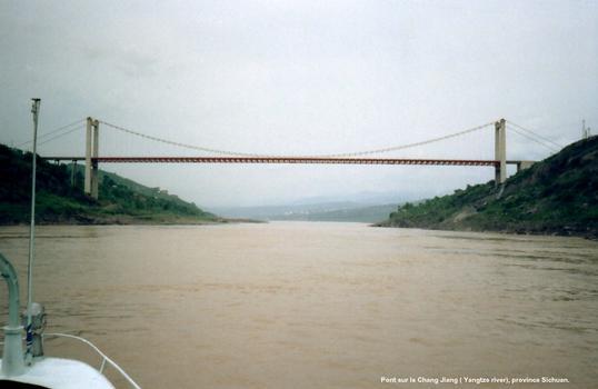 Province Sichuan - Pont sur le Yangtze, entre Chongqing et Fengdu (quelques kilomètres en aval de Chongqing)
