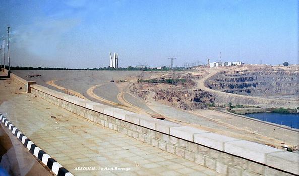 ASSOUAN – Le « Haut-Barrage », vue vers la rive gauche