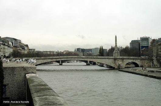 PARIS – Pont de la Tournelle.