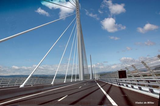 MILLAU (12, Aveyron) – Viaduc de l'A 75