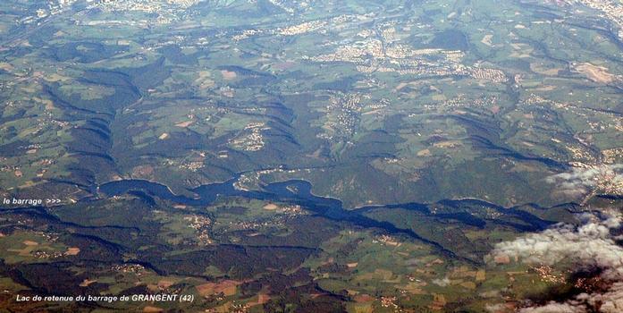 Barrage de GRANGENT (42, Loire) – Le lac de retenue, sur la Loire, à l'ouest de l'agglomération stéphanoise