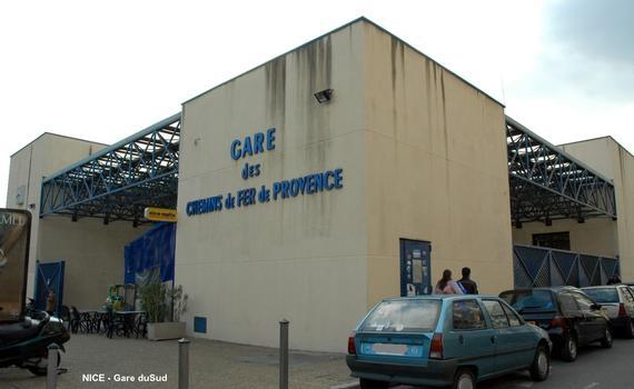 NICE – « Gare du Sud », la nouvelle gare-terminus du « Train des Pignes », mise en service en décembre 1991