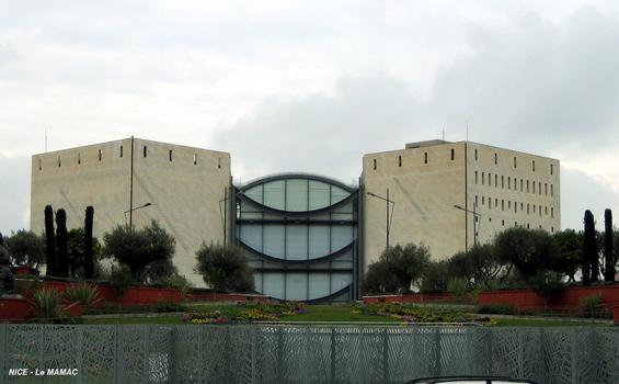 NICE – Musée d'Art Moderne et d'Art Contemporain, façade nord