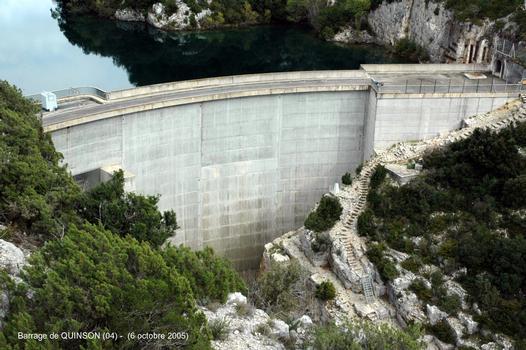 Barrage-usine de QUINSON, sur le Verdon (départements des Alpes de Hte-Provence et du Var), puissance installée: 41 MW (un groupe Francis à axe vertical)