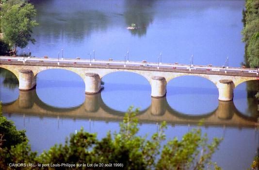 CAHORS (46) – Pont Louis-Philippe, sur le Lot