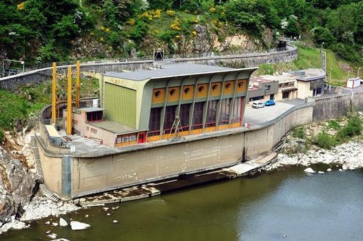 Chambles (42170) et St-Just - St-Rambert (42170) - Barrage de Grangent, la centrale : Chambles (42170) et St-Just - St-Rambert (42170) - Barrage de Grangent , la centrale