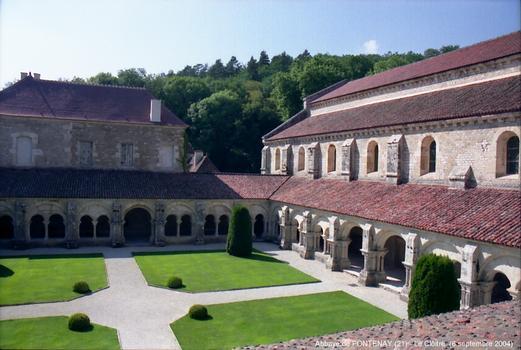 Abbaye de FONTENAY (21) – Ancienne abbaye cistercienne,transformée en papeterie,en 1820 par la famille Montgolfier,restaurée en Musée à partir de 1906