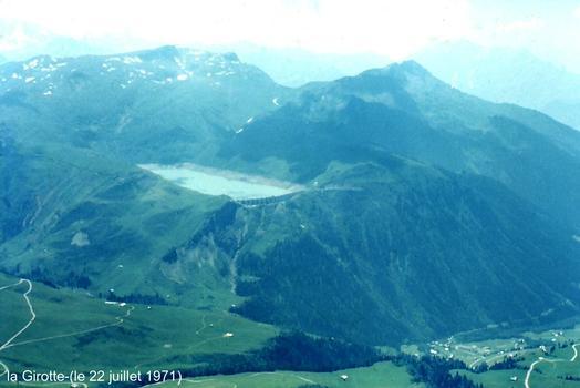 HAUTELUCE (73, Savoie) - Lac de retenue du barrage de la Girotte
