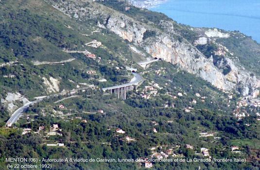 Menton (06) - Autoroute A 8, viaduc de Garavan, c'est le dernier viaduc de cette autoroute, avant la frontière italienne