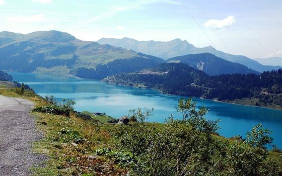 Commune de Beaufort-sur-Doron (73270, Savoie, Rhône-Alpes) - Barrage de ROSELEND , le lac de retenue