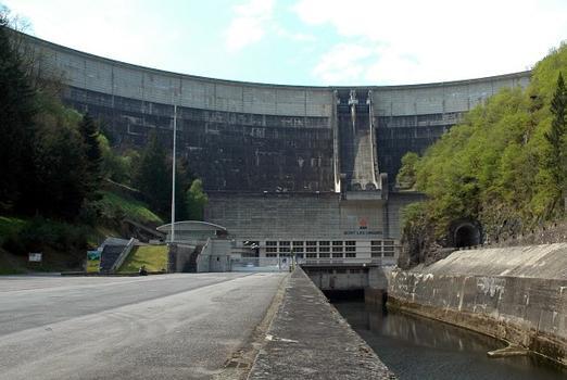 Bort-les-Orgues Dam
