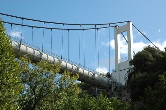 Rians (83, Var) - Aqueduc de Saint Bachi, cet ouvrage conduit le Canal de Provence vers le département des Bouches-du-Rhône : Rians (83, Var) - Aqueduc de Saint Bachi , cet ouvrage conduit le Canal de Provence vers le département des Bouches-du-Rhône