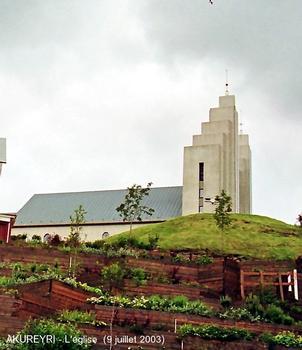 AKUREYRI (région nord-est) – L'église, consacrée en 1940