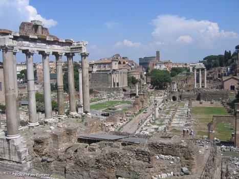 Rom - Forum Romanum - Saturntempel & Juliansbasilika