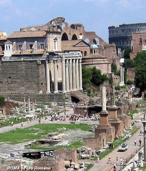 Rom - Forum Romanum - Tempel des Antonius und der Faustina & Tempel des Romulus