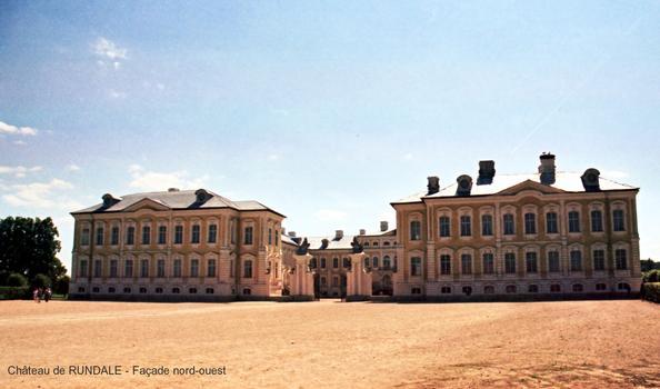 Château de RUNDALE (Semigalle) – Ancien Palais ducal, édifié au XVIIIe par l'Architecte Bartolomeo Rastrelli (1700-1771)