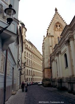 BRATISLAVA – Eglise des Franciscains (Frantiskansky kostol)