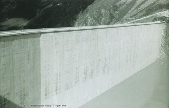 Grande-Dixence Dam.