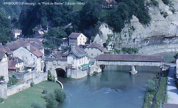FRIBOURG (Fribourg) – Pont couvert «de Berne», sur la Sarine