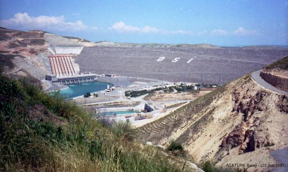 ATATURK Baraji- Barrage hydroélectrique sur l'Euphrate