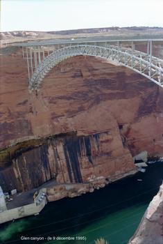 Glen Canyon Bridge (Page, Arizona)