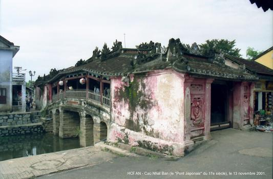 HOÏ AN (Centre Viet Nam) - Le «Pont Japonais», ce pont couvert de 20 m de long, construit à la fin du 16e siècle, reliait le quartier japonais au quartier chinois