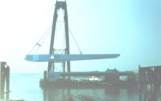 Stoneferry Bridge Loading out for shipment to the UK