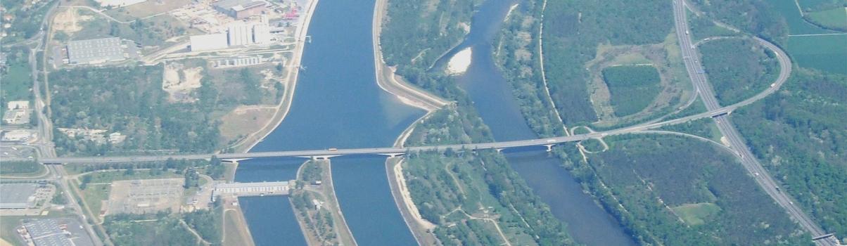 Jonction des autoroutes A36 (France) et A5 dite HAFRABA (Allemagne) entre Ottmarsheim (France) et Neuenburg (Allemagne)