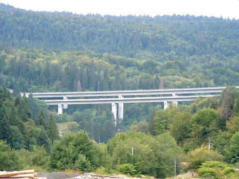 Autoroute A40 Lyon-Genève: Viaduc près du Lac de Sylans