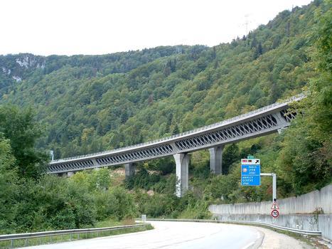 Autoroute A40: Lyon-Genève. Echangeur n° 9: A40/N84 à l'est de Nantua