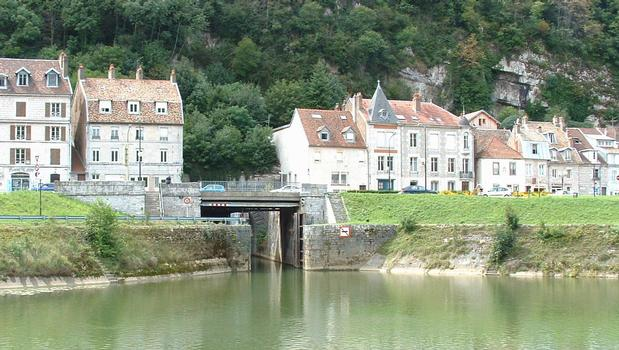 Canal tunnel below the citadel of Besançon