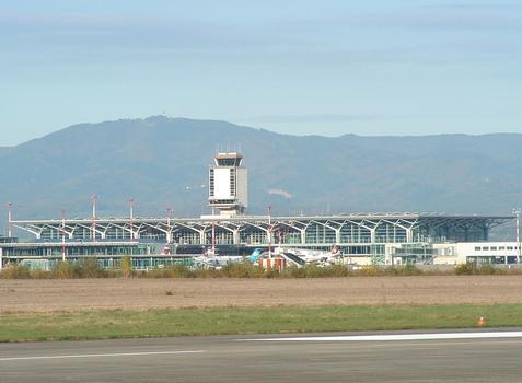 Aéroport de Mulhouse-Bâle Aérogare
