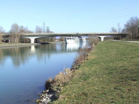 Autobahnbrücke der A 35 über den Rhone-Rhein-Kanal