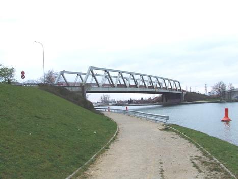 Brücke im Zuge der D 201 über den Rhone-Rhein-Kanal in Illzach