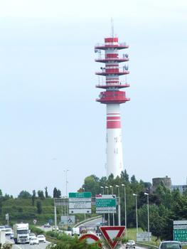 Emetteur radio-télécommunications dans les quartiers Ouest de la ville de Nantes