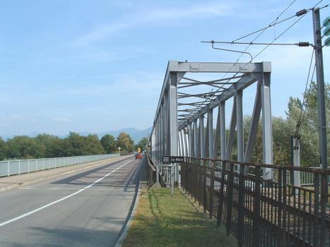Ponts sur le Rhin entre Neuenburg et Chalampé