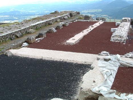 Tempel des Merkur auf dem Puy de Dôme.