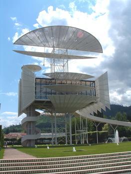 La Tour de la Liberté (1990) à Saint Dié (88-Vosges-Lorraine). Hauteur: 36 m