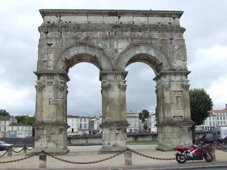 Saintes: Arc de Germanicus.
