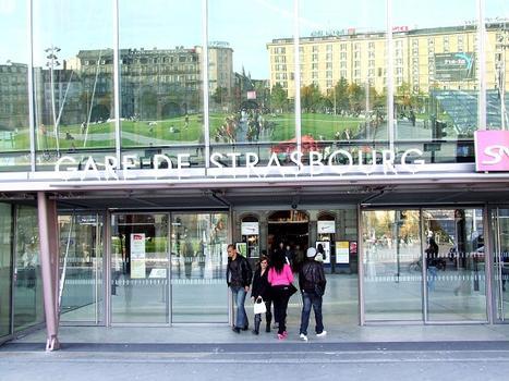 Multimodaler Knotenpunkt am Straßburger Bahnhof