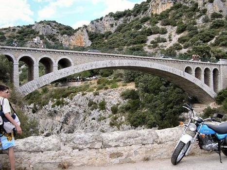 Saint-Jean-de-Fos - Pont routier remplaçant le Pont du Diable vu de l'aval