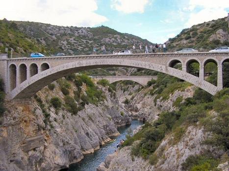 Saint-Jean-de-Fos - Pont routier remplaçant le Pont du Diable et le pont-canal vus de l'aval