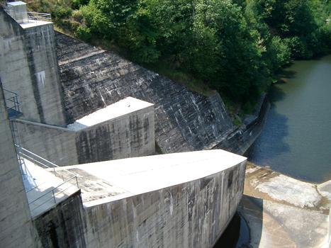 Barrage de Castelnau-Lassout (Aveyron)