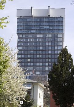 Bettenhaus der Universitätsklinik Köln