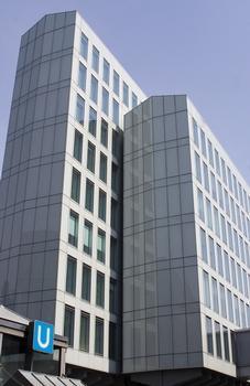 WDR-Vierscheibenhaus, Aussenfassade aus Glas, Eingang am Appellhofplatz 1 Ansicht von der Neven-DuMont-Str