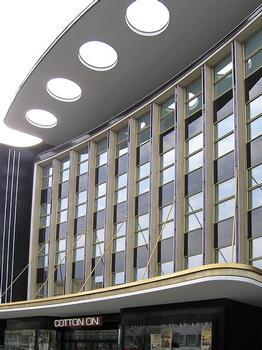 Schirmständerhaus, Wilmersdorfer Straße 58, Berlin (Architekt: Hugo Simon)